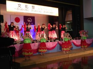文化祭 フラダンス