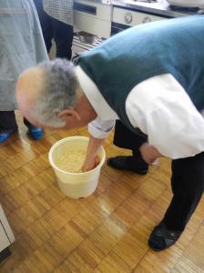 20150224_味噌作り樽詰め