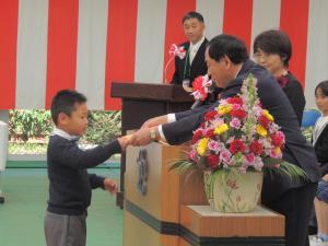 『H30東小入学式町長』の画像