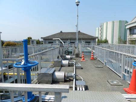 川妻浄水場(管理棟1階電気室)